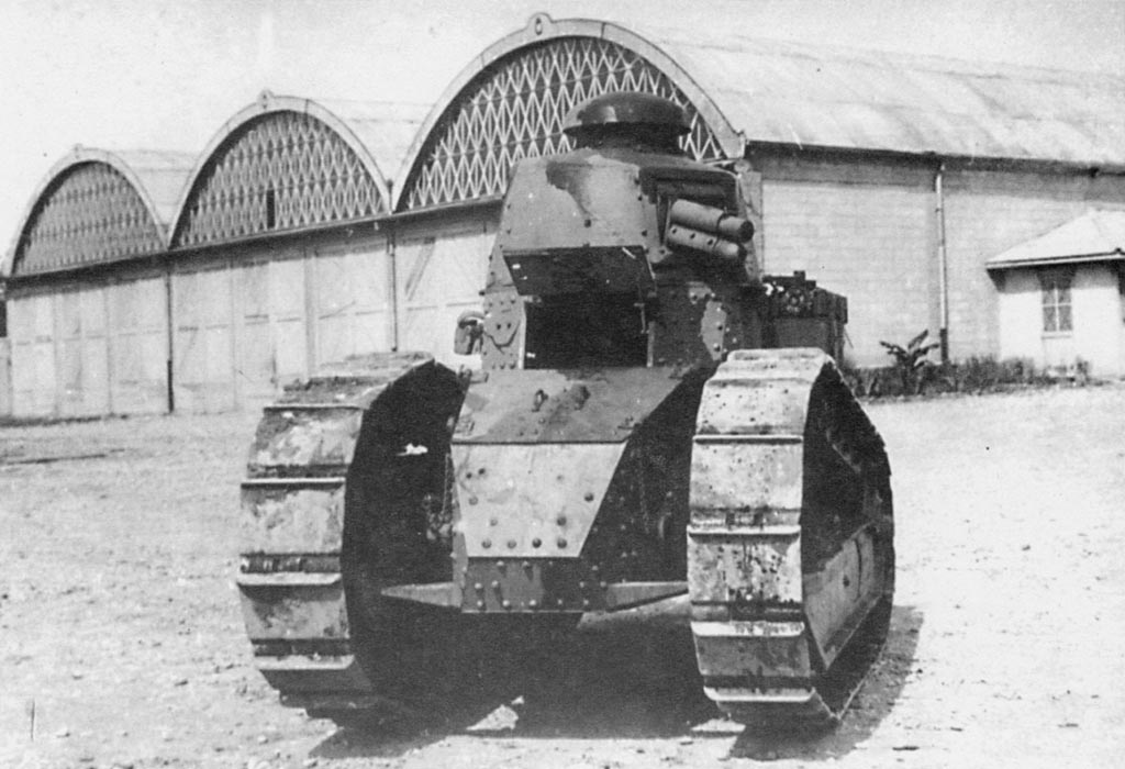 http://www.italie1935-45.com/images/terre/materiels/vehicules_combat/carriL/fiat3000/1.jpg